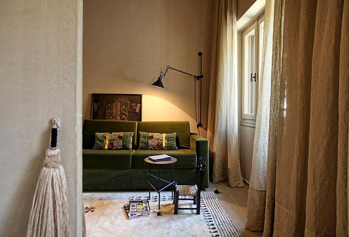 Бежевые шторы в интерьере — признак изысканного вкуса в фото