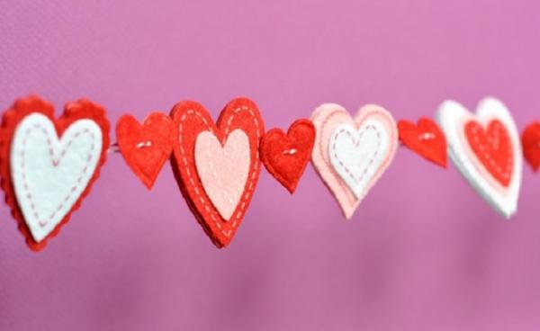 Гирлянды из сердечек ко Дню святого Валентина