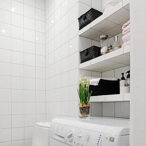Из чего и как можно сделать полку в ванную комнату своими руками?