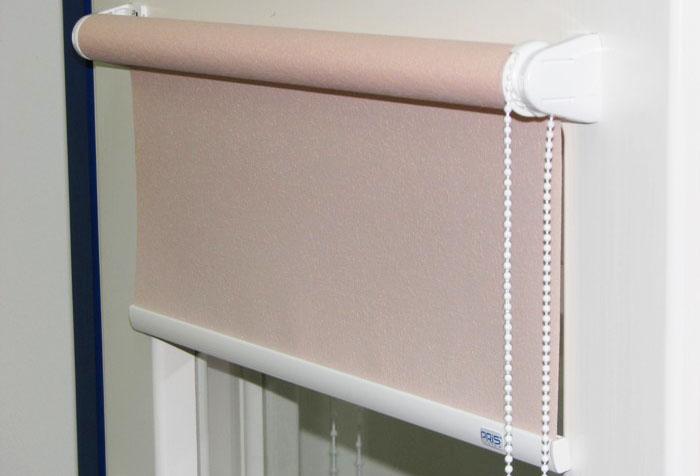Как стирать рулонные шторы правильно? в фото