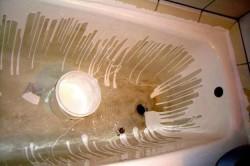 Как заменить покрытие ванны при помощи акрила? в фото