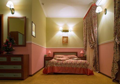 Подходящие обои для маленькой спальни: как сделать правильный выбор