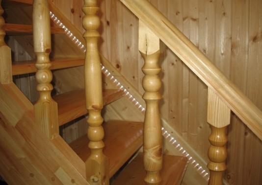 Подсветка лестницы светодиодной лентой в фото