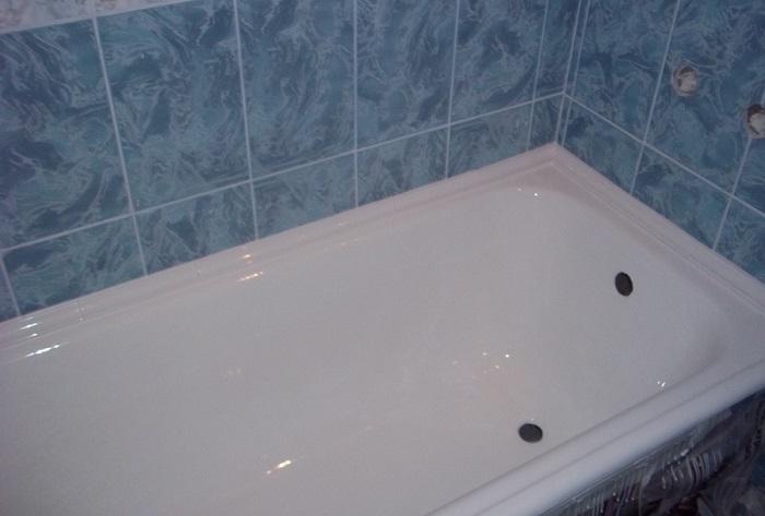 Приводим в порядок старую ванну в фото