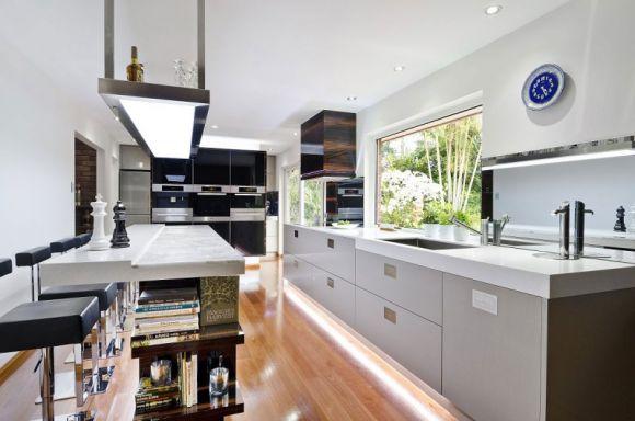 Современная кухня в Австралии от дизайнера Даррен Джеймс в фото