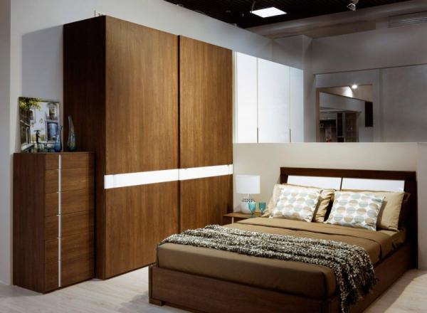 Стенка в спальню — простой способ обустройства в красивом интерьере! (68 фото)