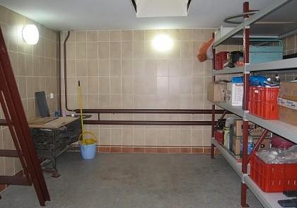 Свет в подвале жилого дома и гаража своими руками в фото