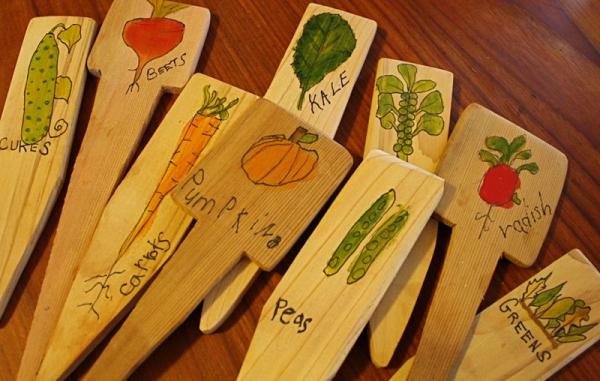 Таблички для грядок. Поделки своими руками для дачи и огорода.