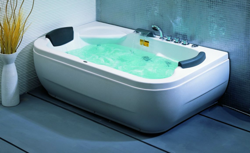 Уход за гидромассажными ваннами в фото