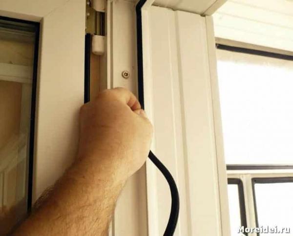 Утепление входной двери: выбор материала, этапы работ и важные нюансы