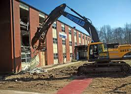 Демонтаж, а также прочие строительные работы.