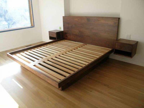 Выбираем пластик или дерево для кровати
