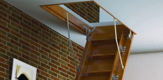 Виды и особенности чердачных лестниц для загородного дома с чердаком